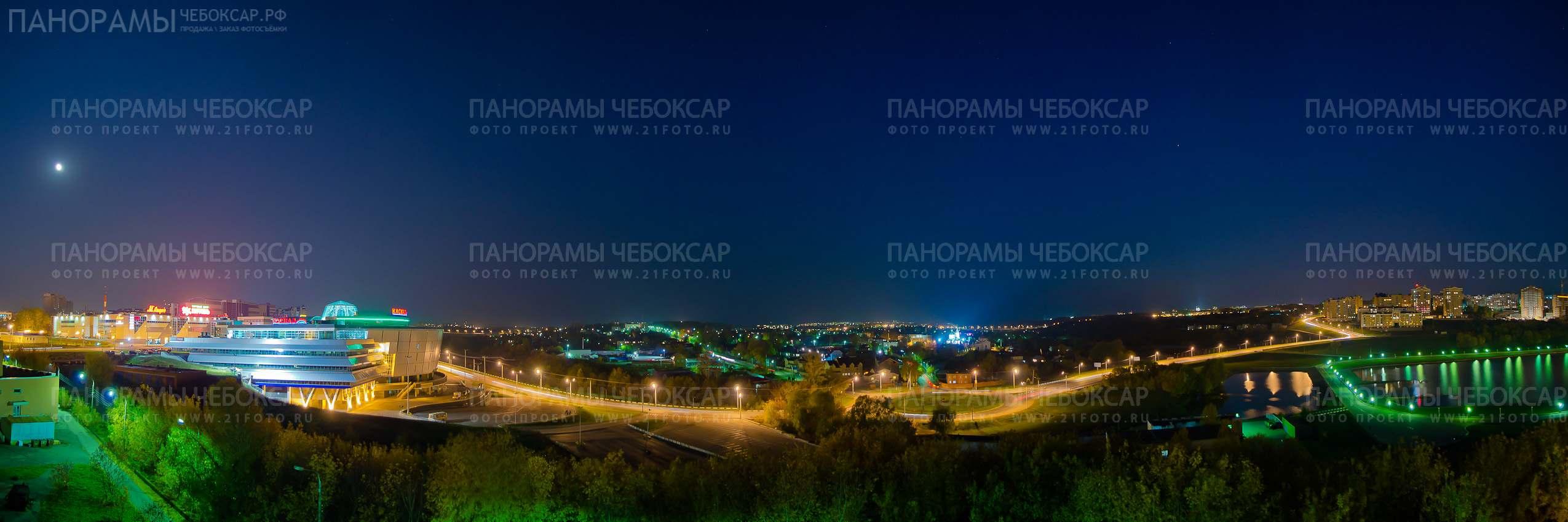 Вечерний Президентский бульвар в Чебоксарах