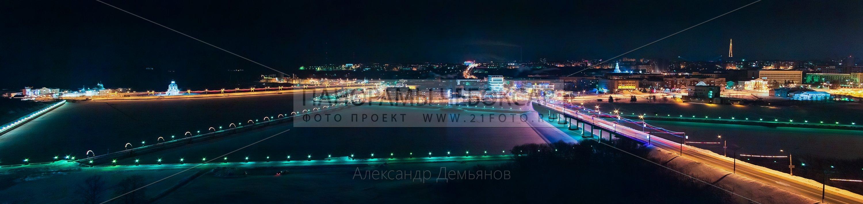 Фото-панорама Чебоксарского ночного залива зимой, вид на московский мост, дом мод и дорогу к храму
