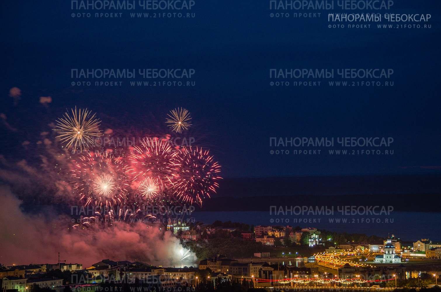 Салют — День республики 2013 3