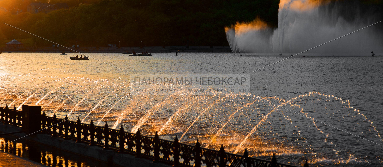 Фонтаны в лучах заката — Илья Степанов — Чебоксары