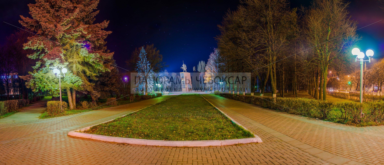 Памятник Чапаеву в Чебоксарах осенью (87 megapixels)