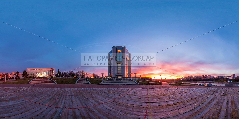 Панорама залива с новым домом правительства