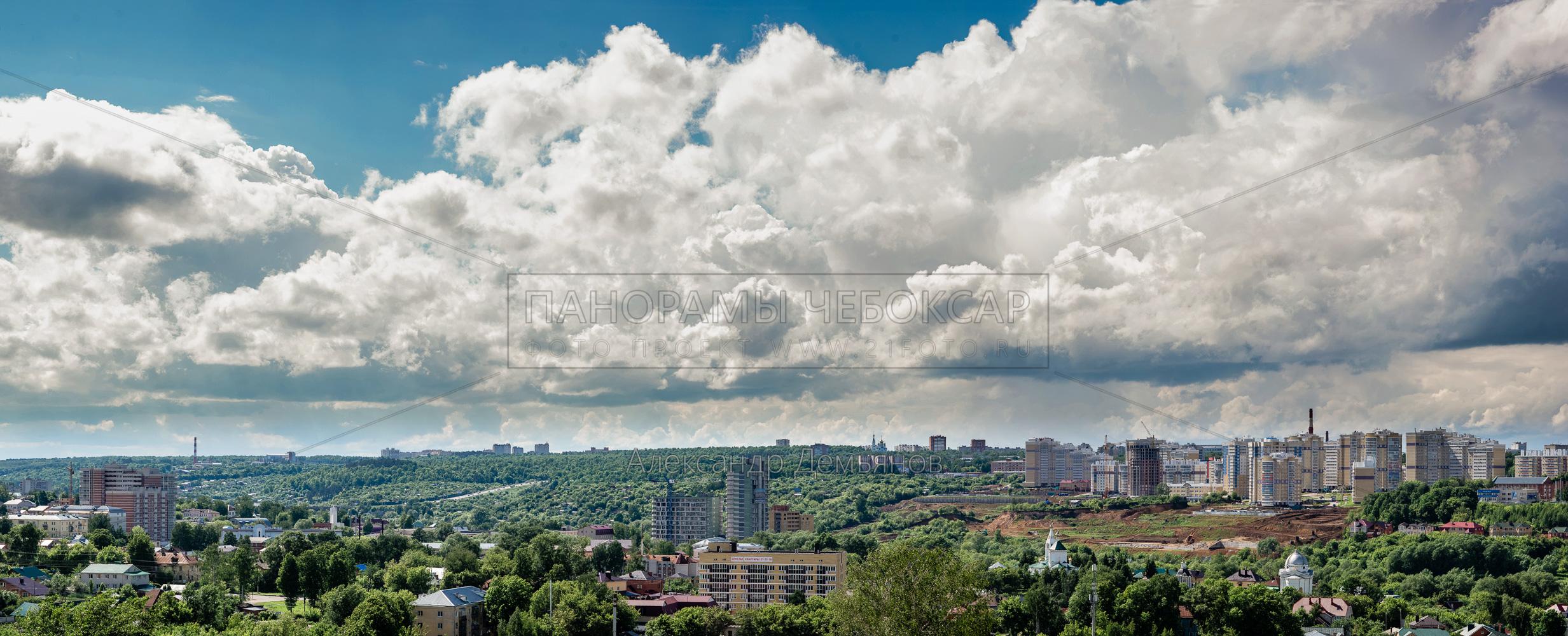 Особенно живописные облака лета над МКР Радужный 2017