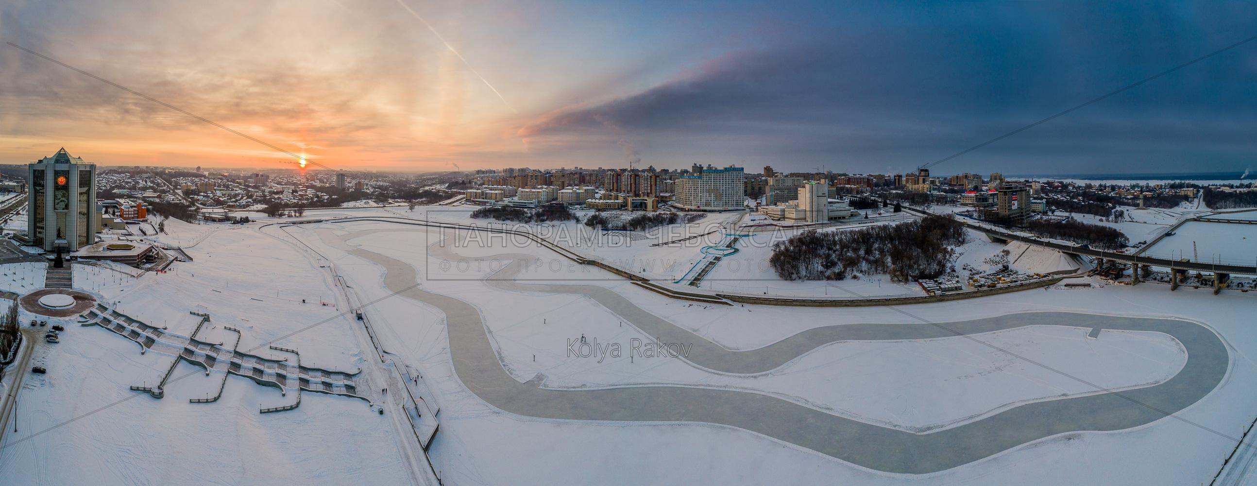 Ледовая трасса на Чебоксарском заливе зимой 2018, съёмка с высоты
