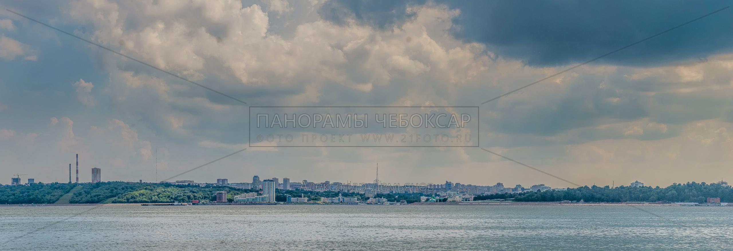 Фото Чебоксары с левого берега Волги летом 2018