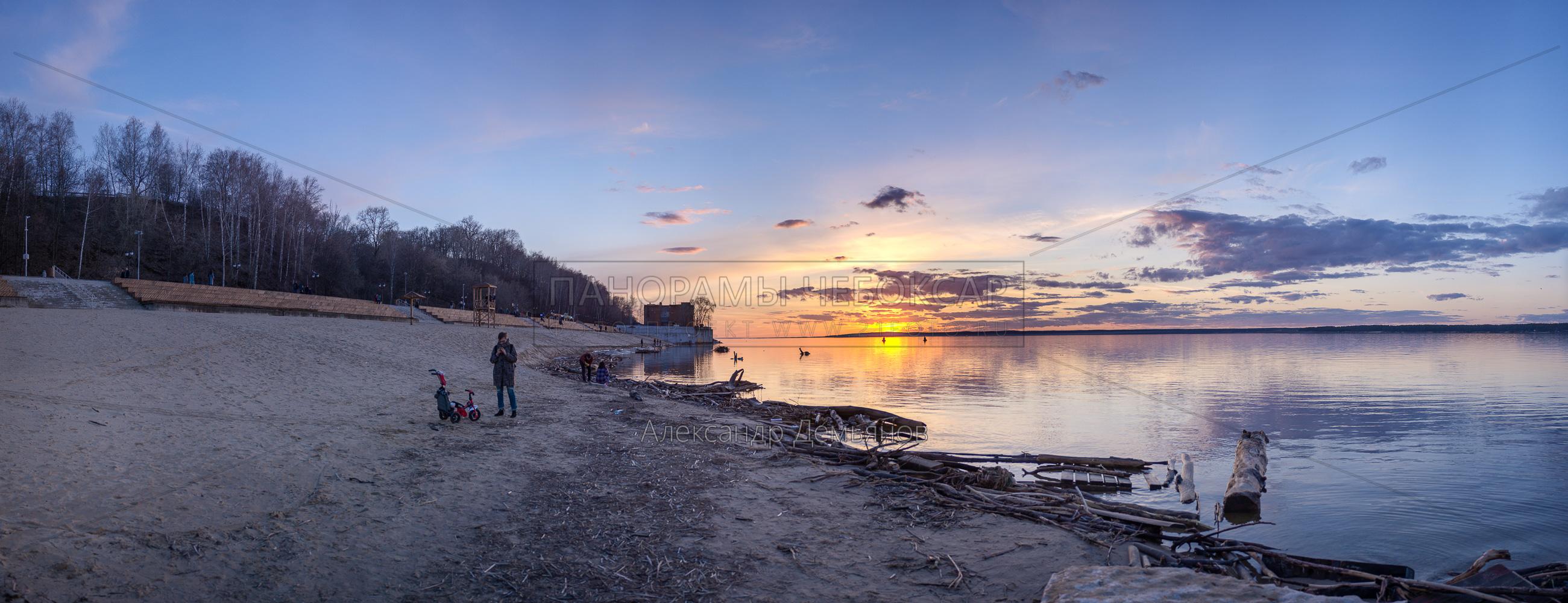 После ледохода. Ранняя Весна на Чебоксарском центральном пляже 2018