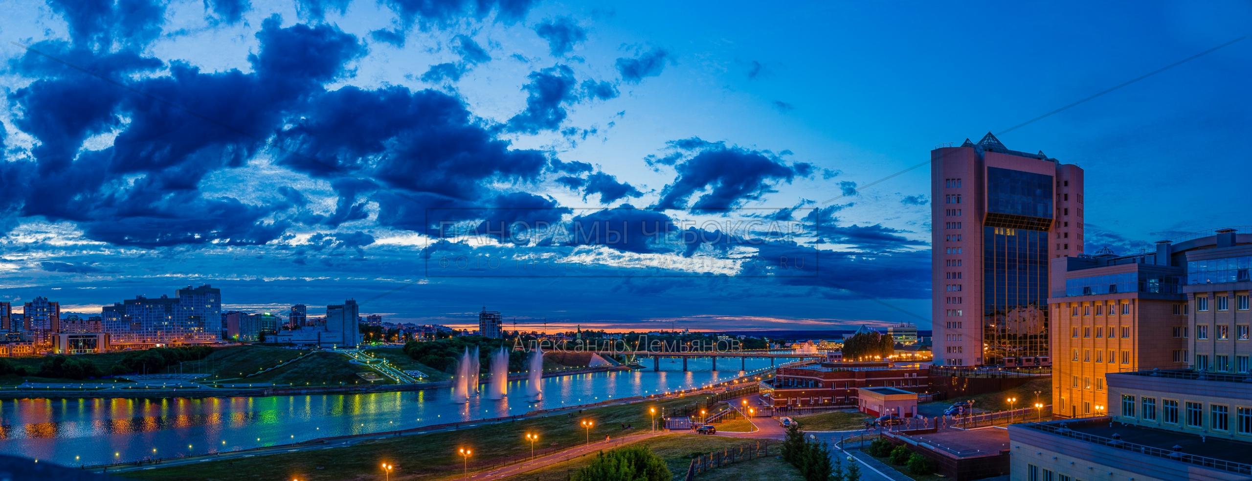 Чебоксарский залив перед салютом на День Республики летом 2019