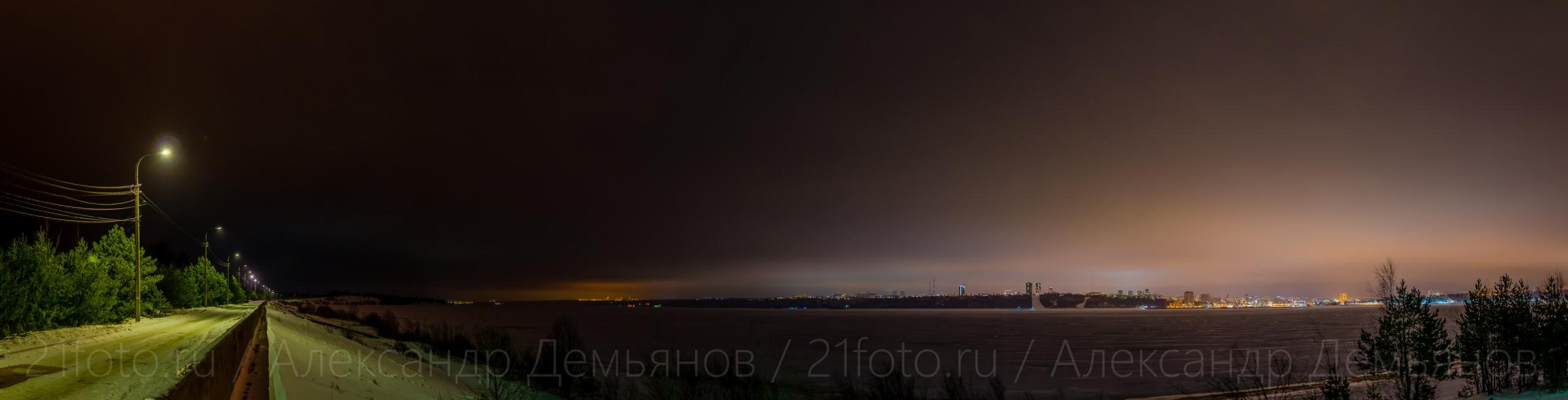 Вид на Волгу с набережной Чебоксары зимой 2020